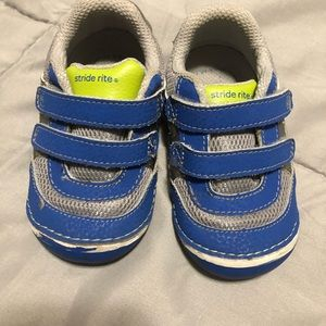 Stride rite soft motion sneakers